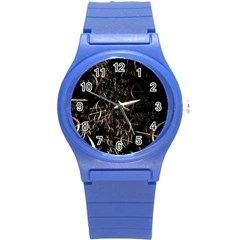 Golden Bows And Arrows On Black Round Plastic Sport Watch (S)