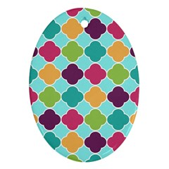 Colorful Quatrefoil Pattern Wallpaper Background Design Oval Ornament (Two Sides)