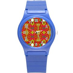 Abstract Background Design With Doodle Hearts Round Plastic Sport Watch (s)