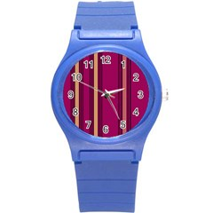 Stripes Background Wallpaper In Purple Maroon And Gold Round Plastic Sport Watch (S)