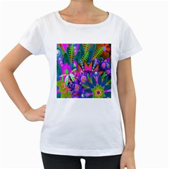 Wild Abstract Design Women s Loose-Fit T-Shirt (White)