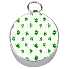 Leaf Green White Silver Compasses