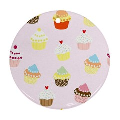 Seamless Cupcakes Wallpaper Pattern Background Round Ornament (two Sides)