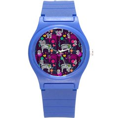 Love Colorful Elephants Background Round Plastic Sport Watch (S)