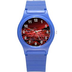 Red Fractal Valley In 3d Glass Frame Round Plastic Sport Watch (S)