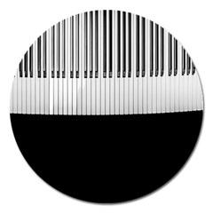 Piano Keys On The Black Background Magnet 5  (Round)