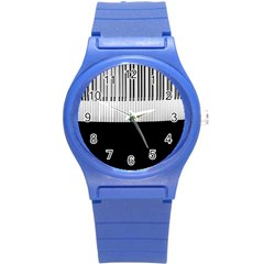 Piano Keys On The Black Background Round Plastic Sport Watch (S)