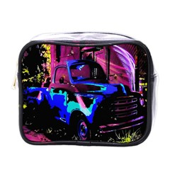 Abstract Artwork Of A Old Truck Mini Toiletries Bags
