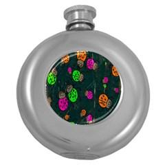 Cartoon Grunge Beetle Wallpaper Background Round Hip Flask (5 oz)