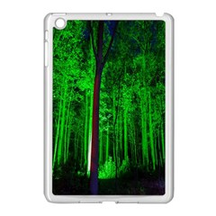 Spooky Forest With Illuminated Trees Apple iPad Mini Case (White)