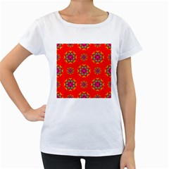 Rainbow Colors Geometric Circles Seamless Pattern On Red Background Women s Loose-Fit T-Shirt (White)
