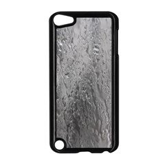 Water Drops Apple iPod Touch 5 Case (Black)