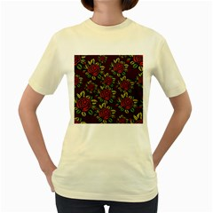A Red Rose Tiling Pattern Women s Yellow T-Shirt