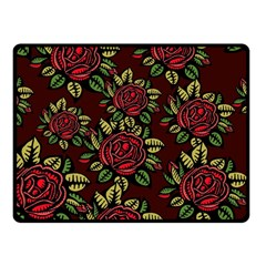 A Red Rose Tiling Pattern Fleece Blanket (Small)