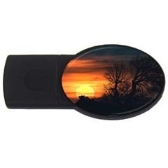 Sunset At Nature Landscape USB Flash Drive Oval (2 GB)