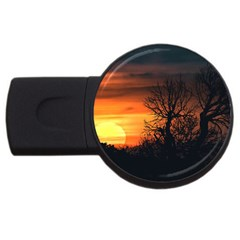 Sunset At Nature Landscape USB Flash Drive Round (4 GB)