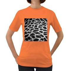 Black And White Giraffe Skin Pattern Women s Dark T Shirt