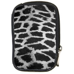 Black And White Giraffe Skin Pattern Compact Camera Cases