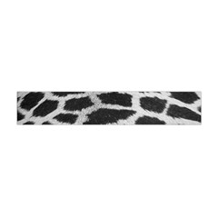 Black And White Giraffe Skin Pattern Flano Scarf (Mini)
