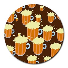 A Fun Cartoon Frothy Beer Tiling Pattern Round Mousepads