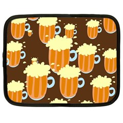 A Fun Cartoon Frothy Beer Tiling Pattern Netbook Case (Large)