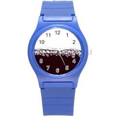 Bubbles In Red Wine Round Plastic Sport Watch (S)