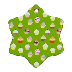 Cupcakes pattern Snowflake Ornament (Two Sides)