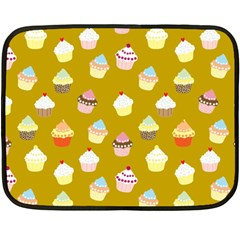 Cupcakes pattern Fleece Blanket (Mini)