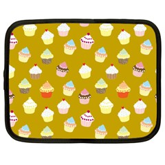 Cupcakes pattern Netbook Case (XXL)