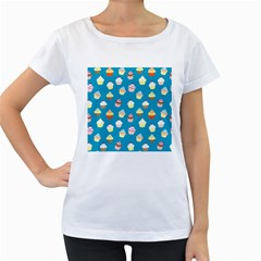 Cupcakes pattern Women s Loose-Fit T-Shirt (White)