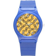Abstract Shapes Links Design Round Plastic Sport Watch (S)