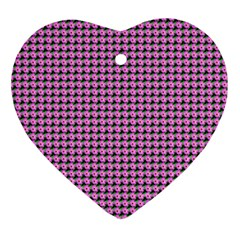 Pattern Grid Background Ornament (heart)