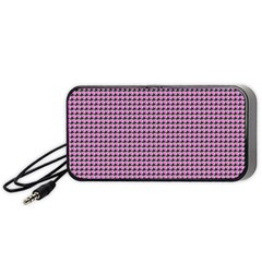 Pattern Grid Background Portable Speaker (black)