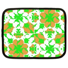 Graphic Floral Seamless Pattern Mosaic Netbook Case (XL)