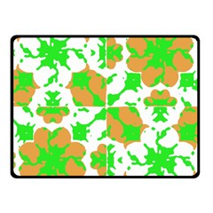 Graphic Floral Seamless Pattern Mosaic Fleece Blanket (Small)