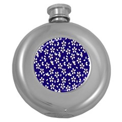Star Flower Blue White Round Hip Flask (5 oz)