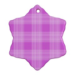 Seamless Tartan Pattern Ornament (Snowflake)
