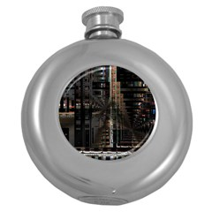 Black technology Circuit Board Electronic Computer Round Hip Flask (5 oz)