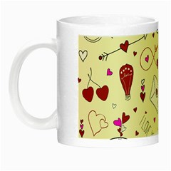 Valentinstag Love Hearts Pattern Red Yellow Night Luminous Mugs