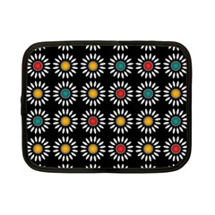 White Daisies Pattern Netbook Case (Small)