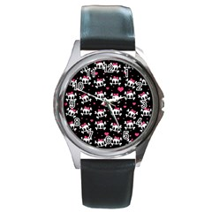 Cute skulls  Round Metal Watch