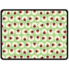 Ladybugs Pattern Fleece Blanket (Large)