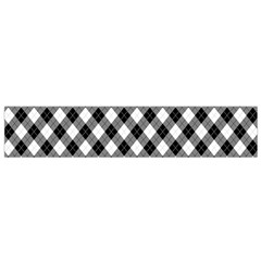 Argyll Diamond Weave Plaid Tartan In Black And White Pattern Flano Scarf (small)