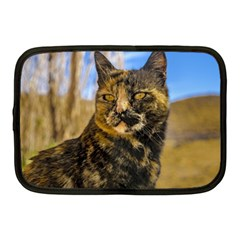 Adult Wild Cat Sitting and Watching Netbook Case (Medium)
