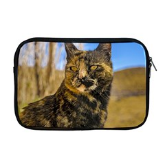 Adult Wild Cat Sitting and Watching Apple MacBook Pro 17  Zipper Case
