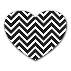Zigzag pattern Heart Mousepads