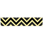 Zigzag pattern Flano Scarf (Small) Front