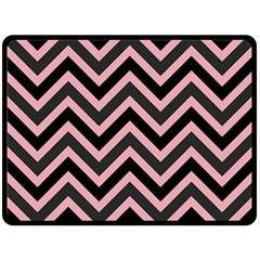 Zigzag Pattern Fleece Blanket (large)