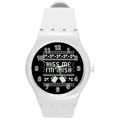 Kiss Me I m Irish Ugly Christmas Black Background Round Plastic Sport Watch (M)