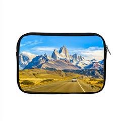 Snowy Andes Mountains, El Chalten, Argentina Apple Macbook Pro 15  Zipper Case
